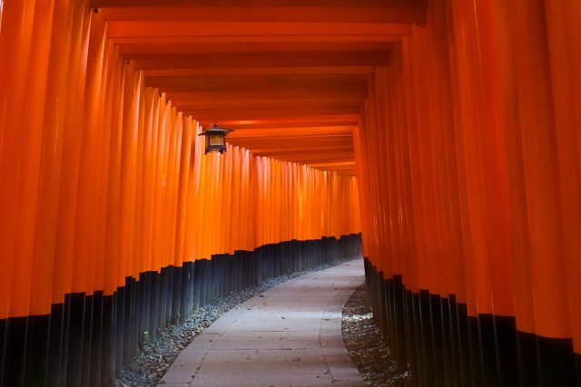 1. Fushimi-inari Taisha (Shrine)