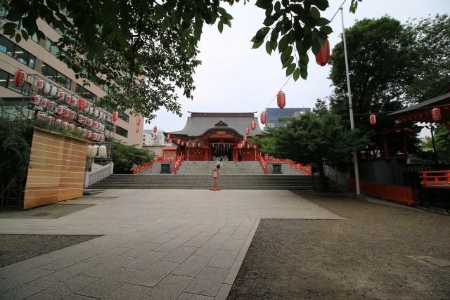 4. Hanazono Shrine